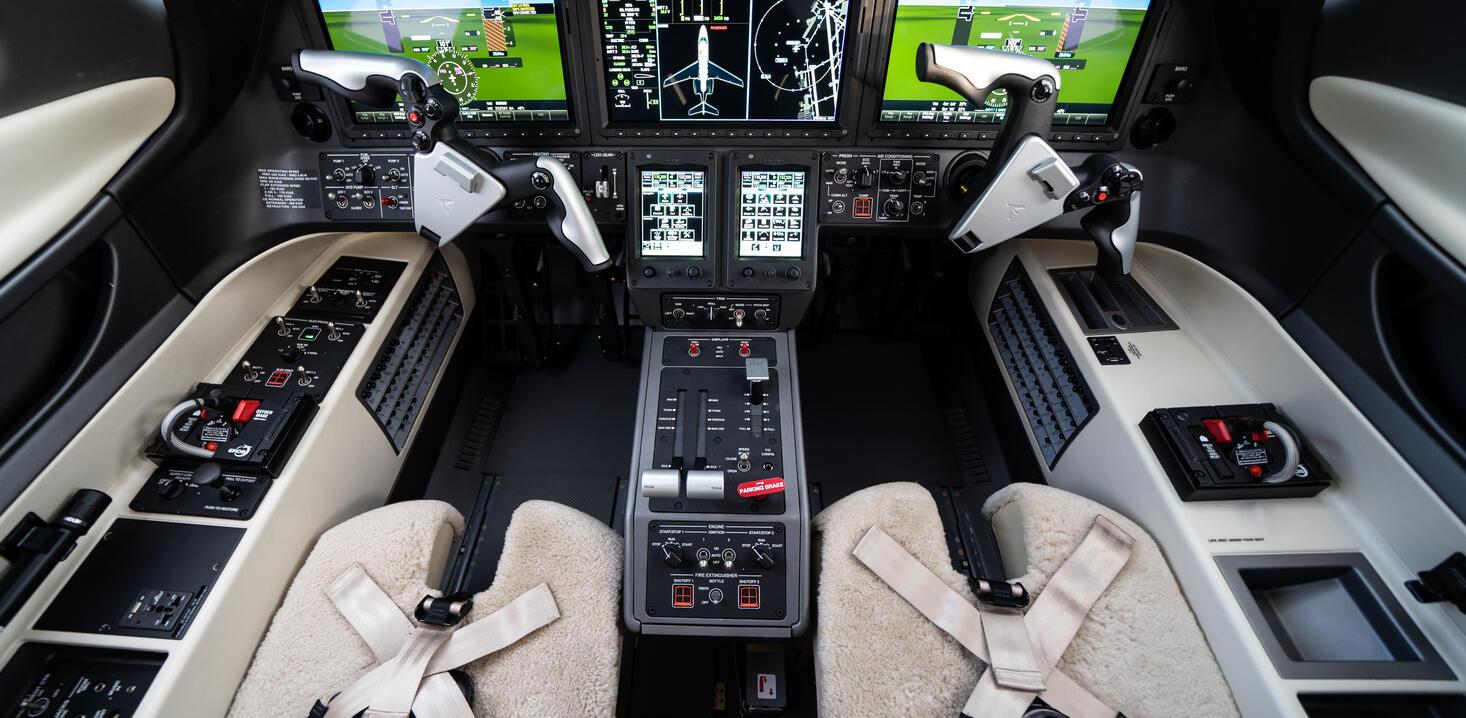 Garmin 3000 flight deck in Phenom 300
